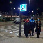 El Ayuntamiento del Valle de Egüés 'enciende' su primer paso de cebra inteligente, instalado en la Avenida Unión Europea de Sarriguren